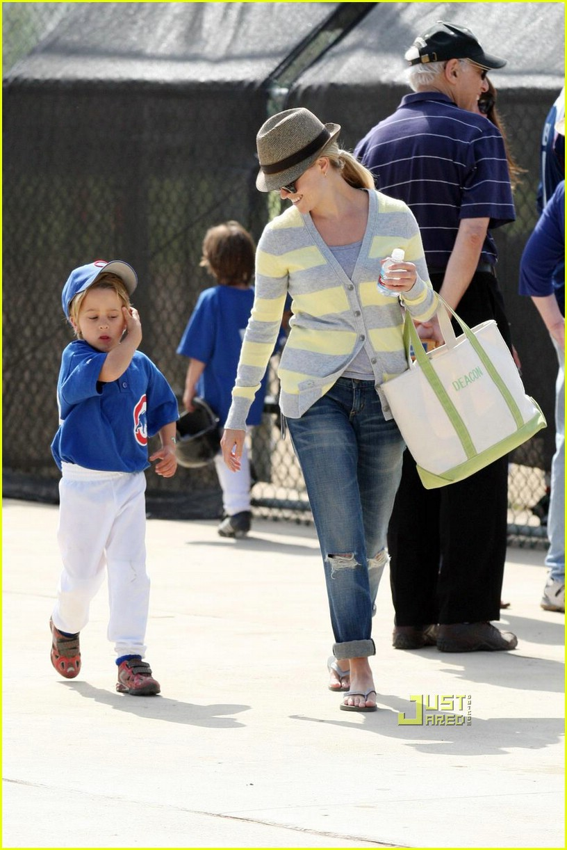 reese witherspoon little league 01