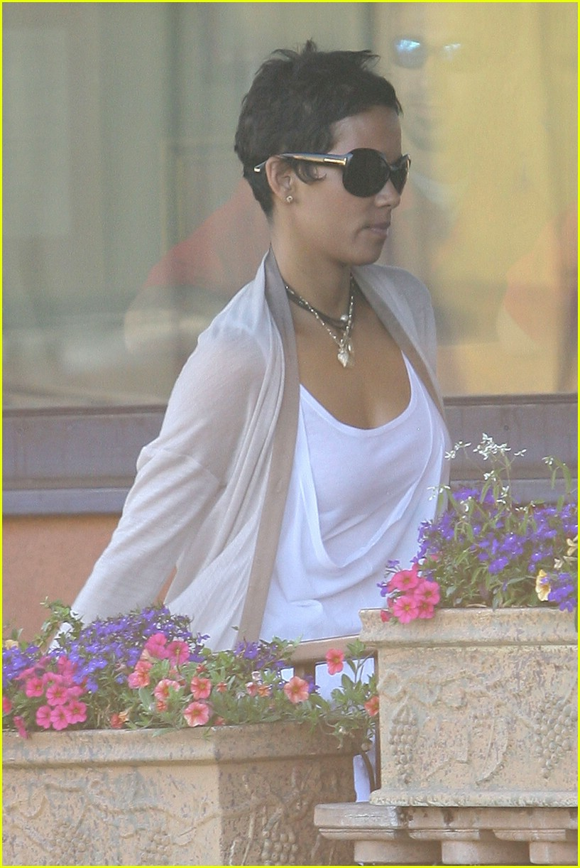 halle berry new short hair 071942451