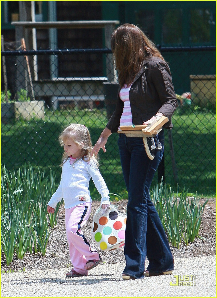 violet affleck power walking 011918801