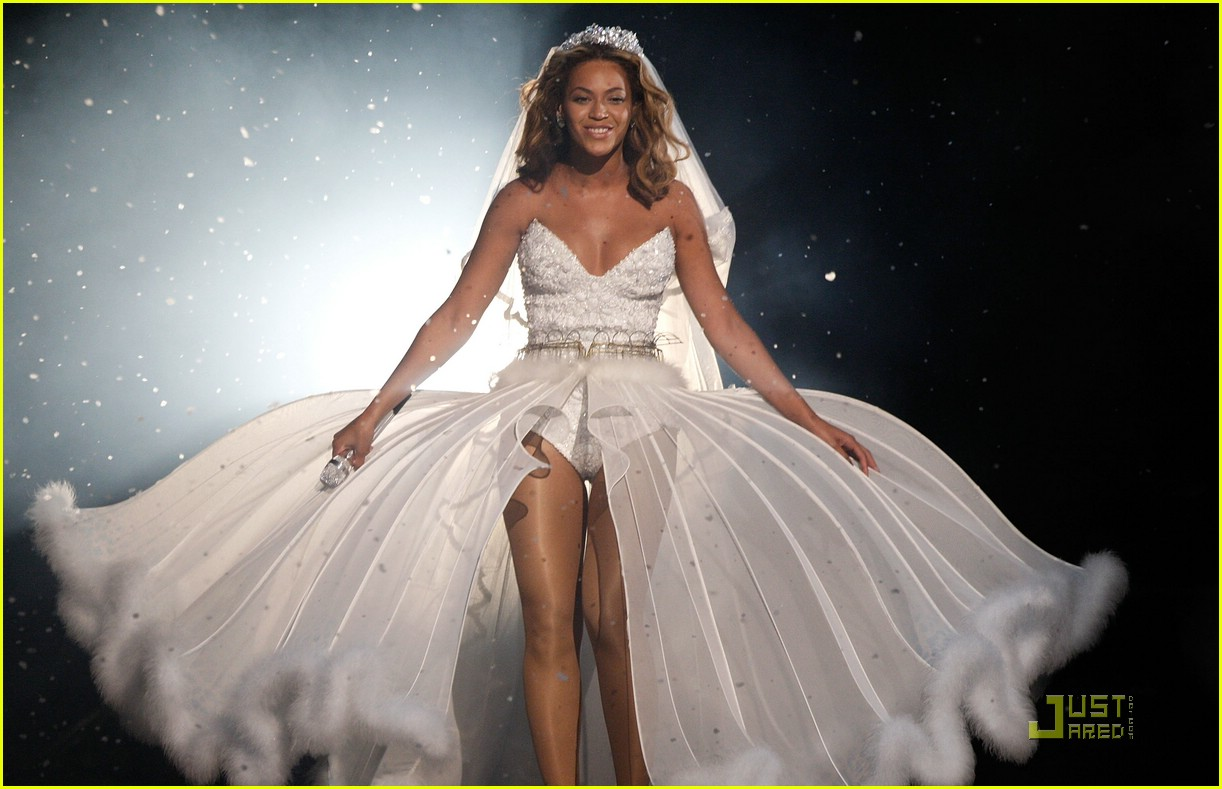 beyonce wedding dress 01