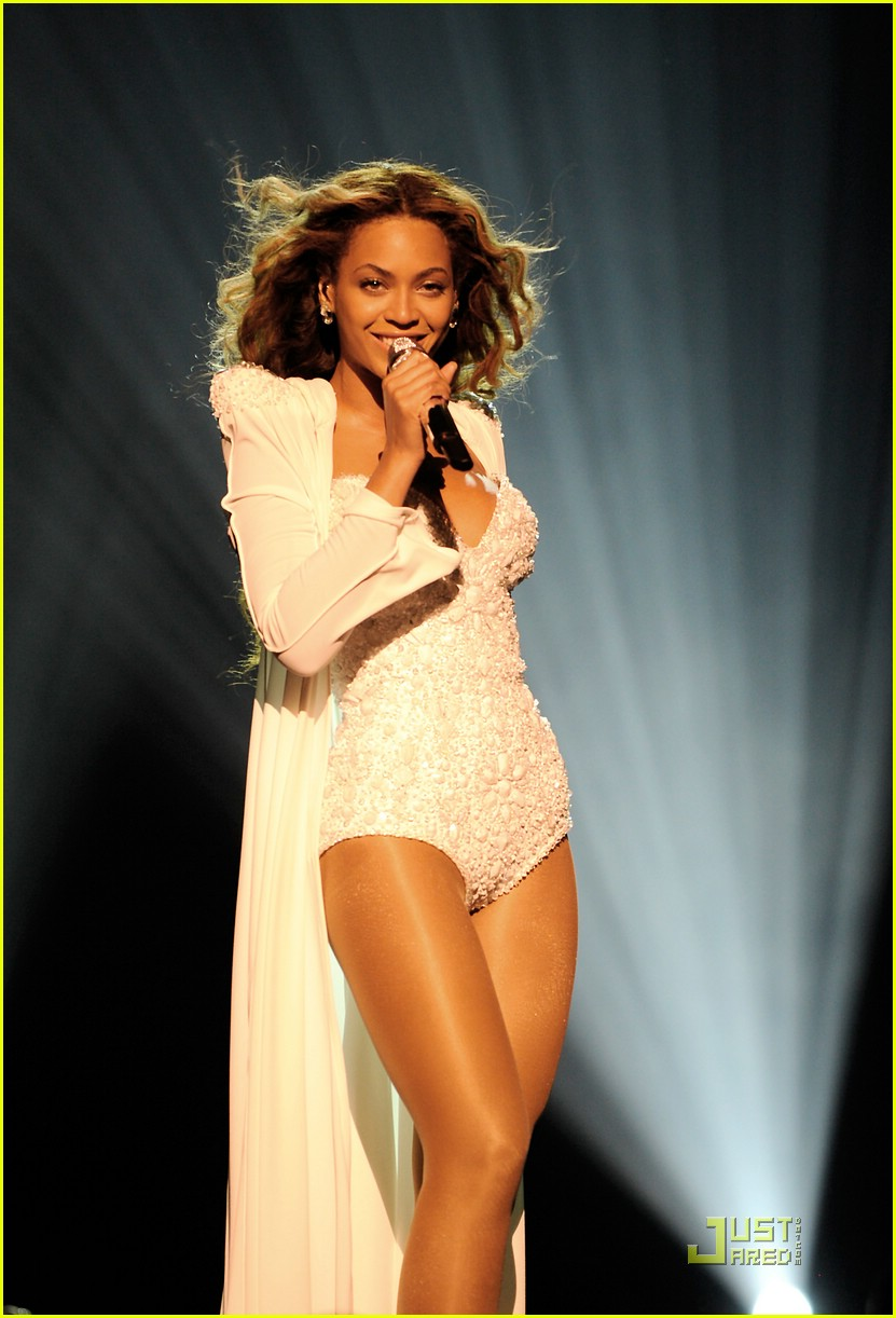 beyonce wedding dress 21