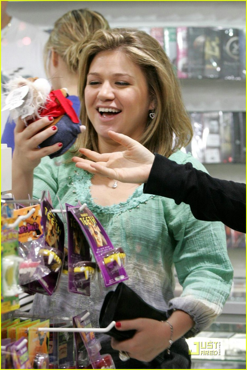 kelly clarkson shutterbug 07