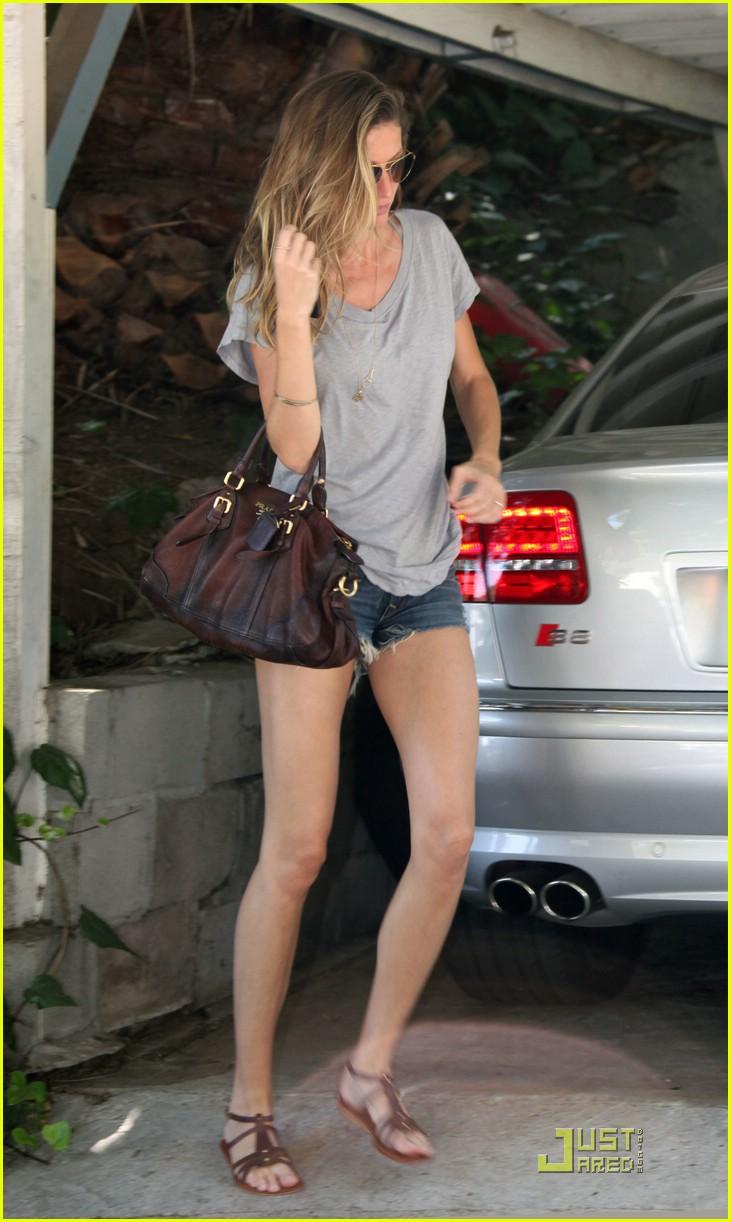 Full Sized Photo Of Gisele Bundchen Pregnant Pretty 09