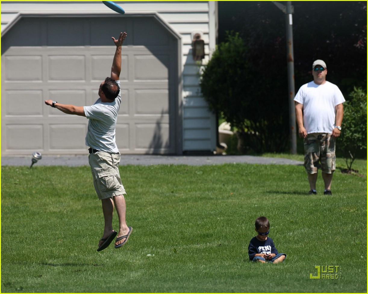 jon gosselin frisbee fun 04