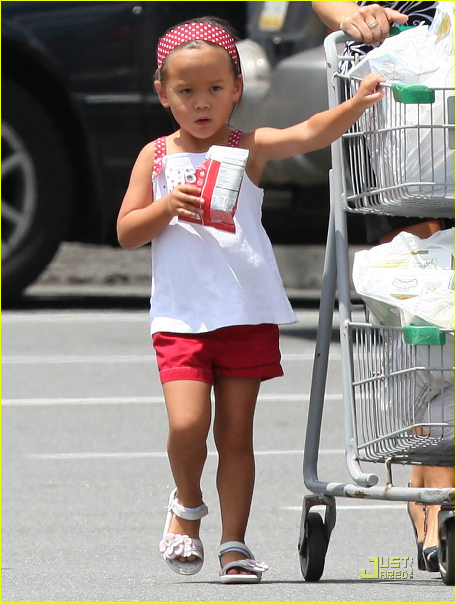 kate gosselin giant supermarket 09