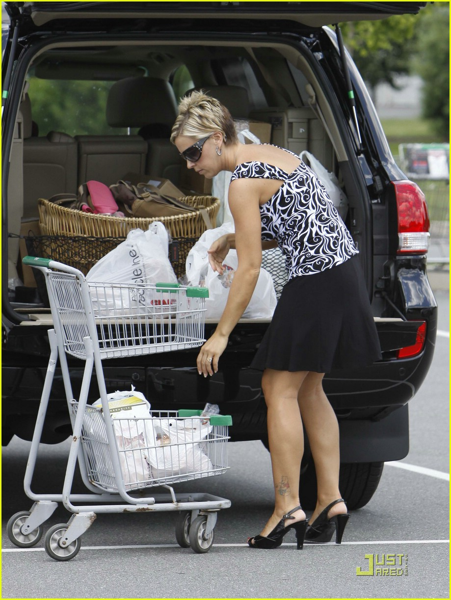 kate gosselin giant supermarket 16