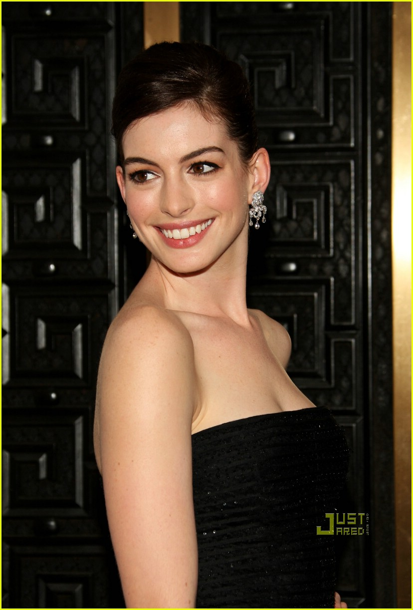 anne hathaway tony awards 2009 111974181