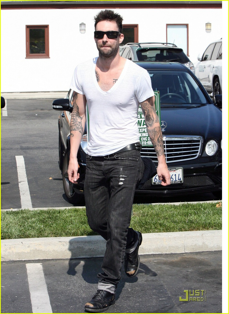 adam levine plain white tee 16