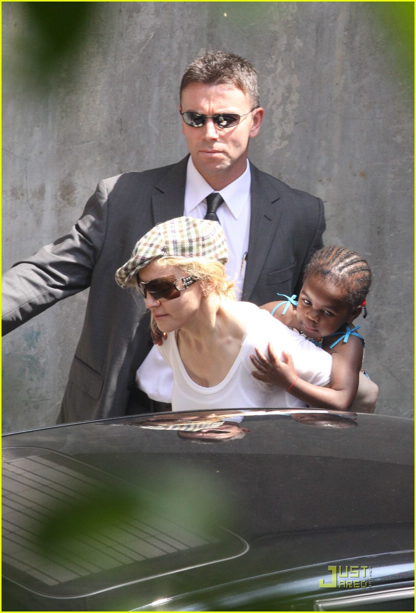 madonna piggyback ride guy ritchie david banda 12