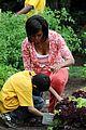 michelle obama white house kitchen garden 08