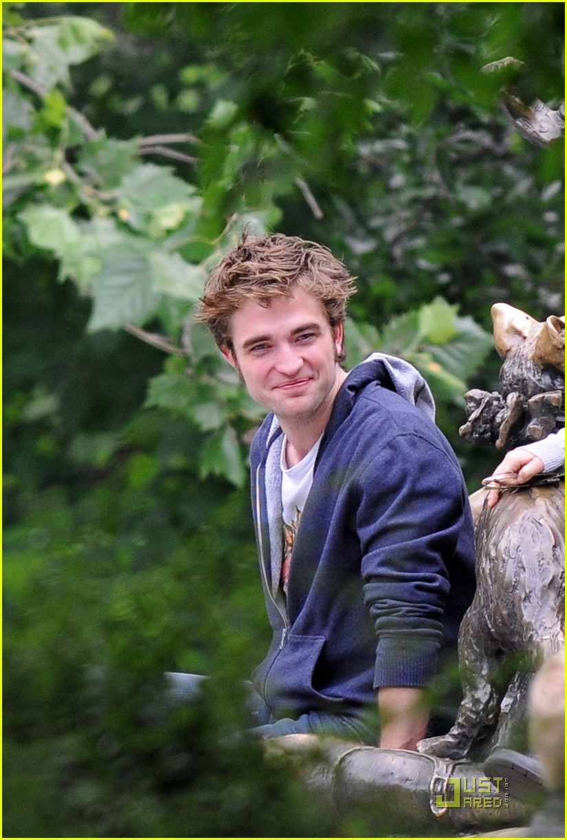 robert pattinson not attractive 06