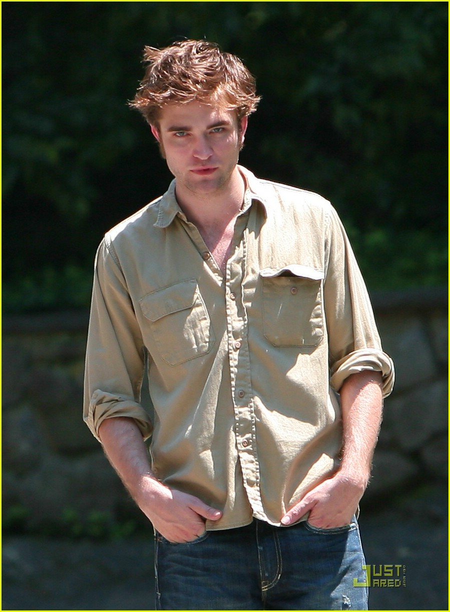 robert pattinson central park 01