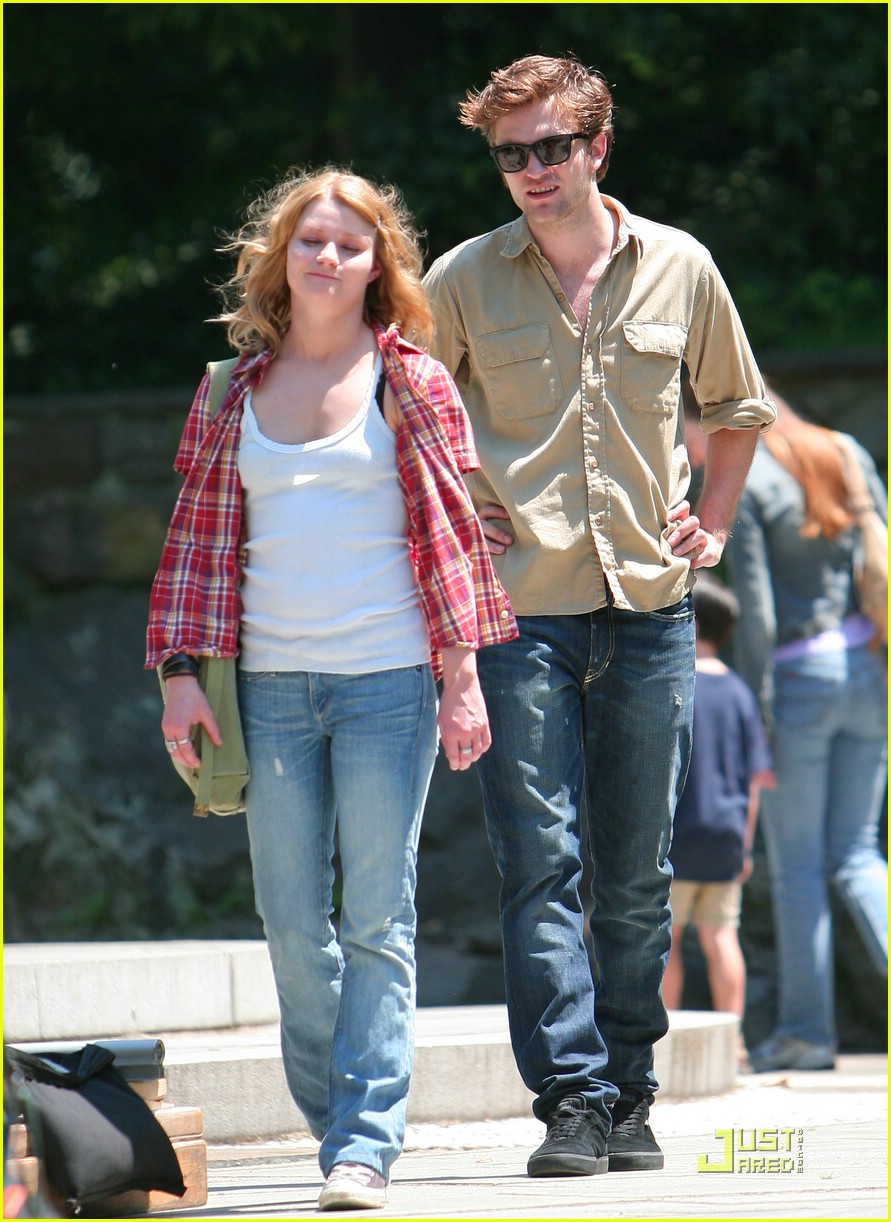 robert pattinson central park 09