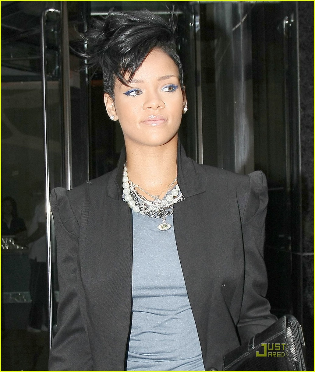 rihanna beautiful hair 051991581