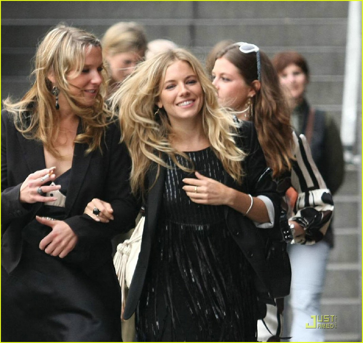 sienna miller pretty paris 09