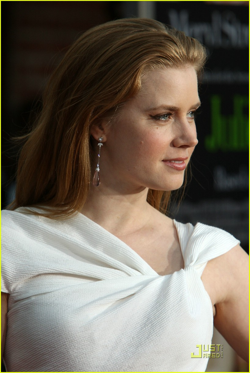 amy adams aphrodite 032083642