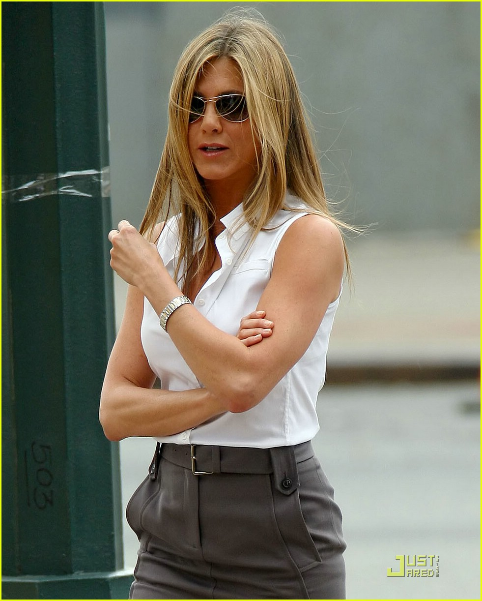 jennifer aniston love happens trailer 02
