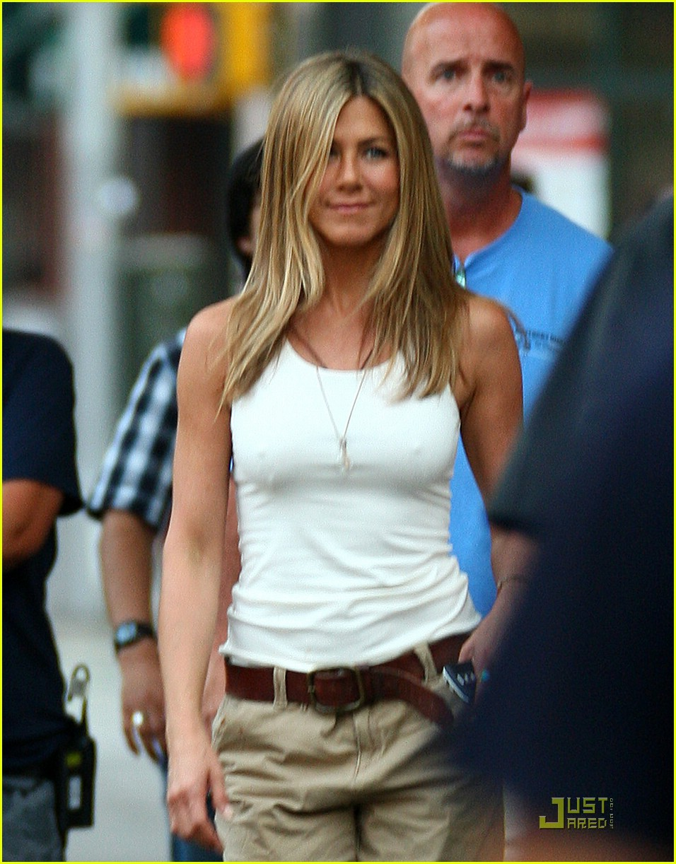 jennifer aniston dog poo 03