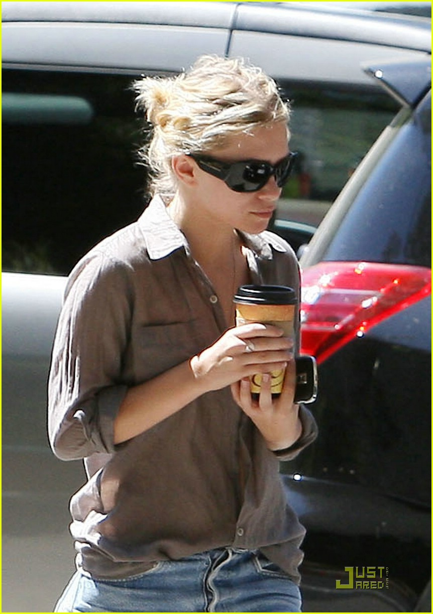 ashley olsen justin bartha coffee couple 04