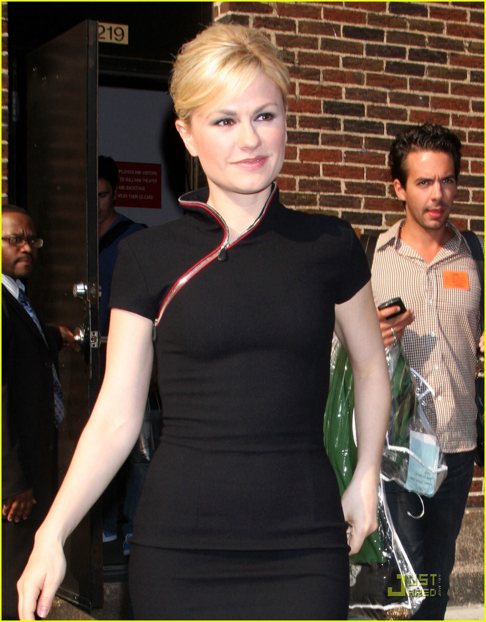 anna paquin cheongsam letterman 07