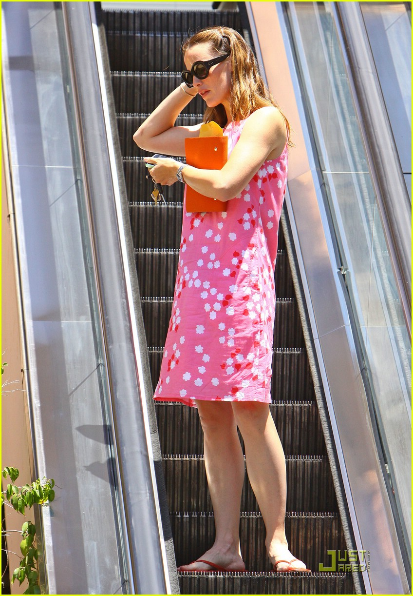 Full Sized Photo Of Jennifer Garner Pink Dress 15 Photo