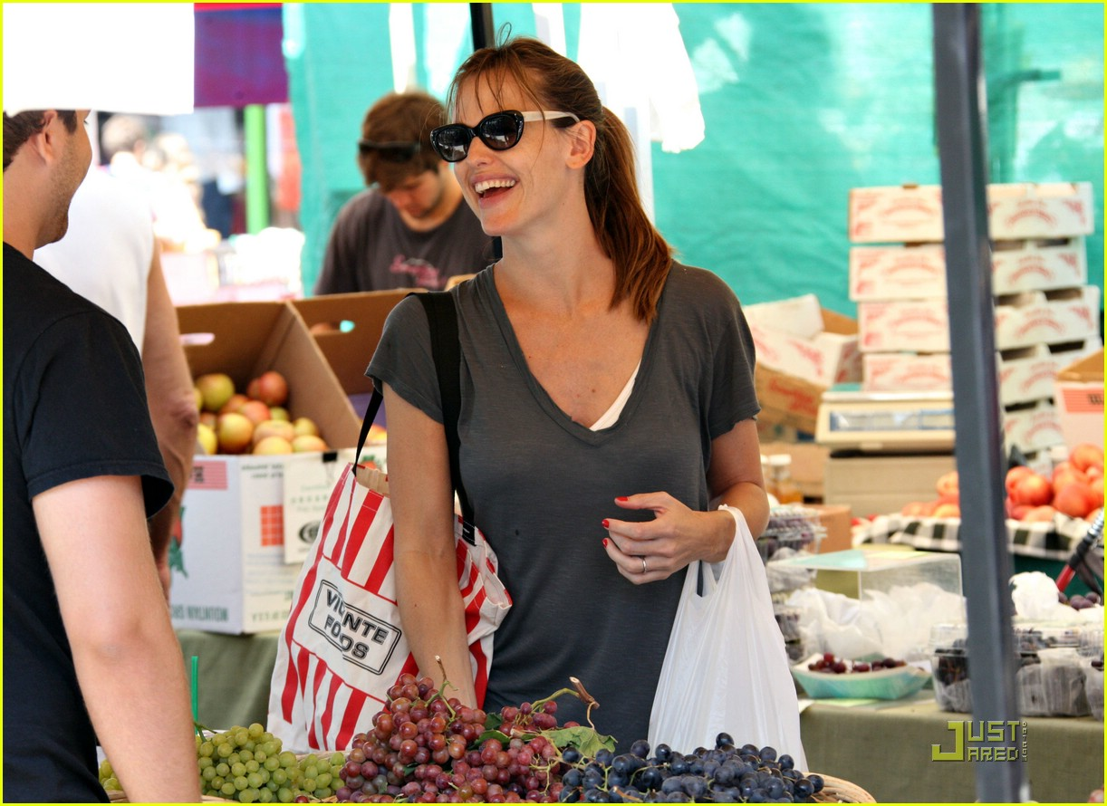 jennifer garner grapes 282077752