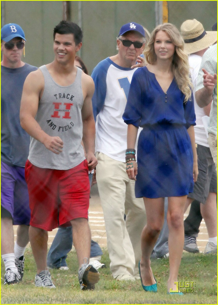 taylor lautner taylor swift valentines day 19