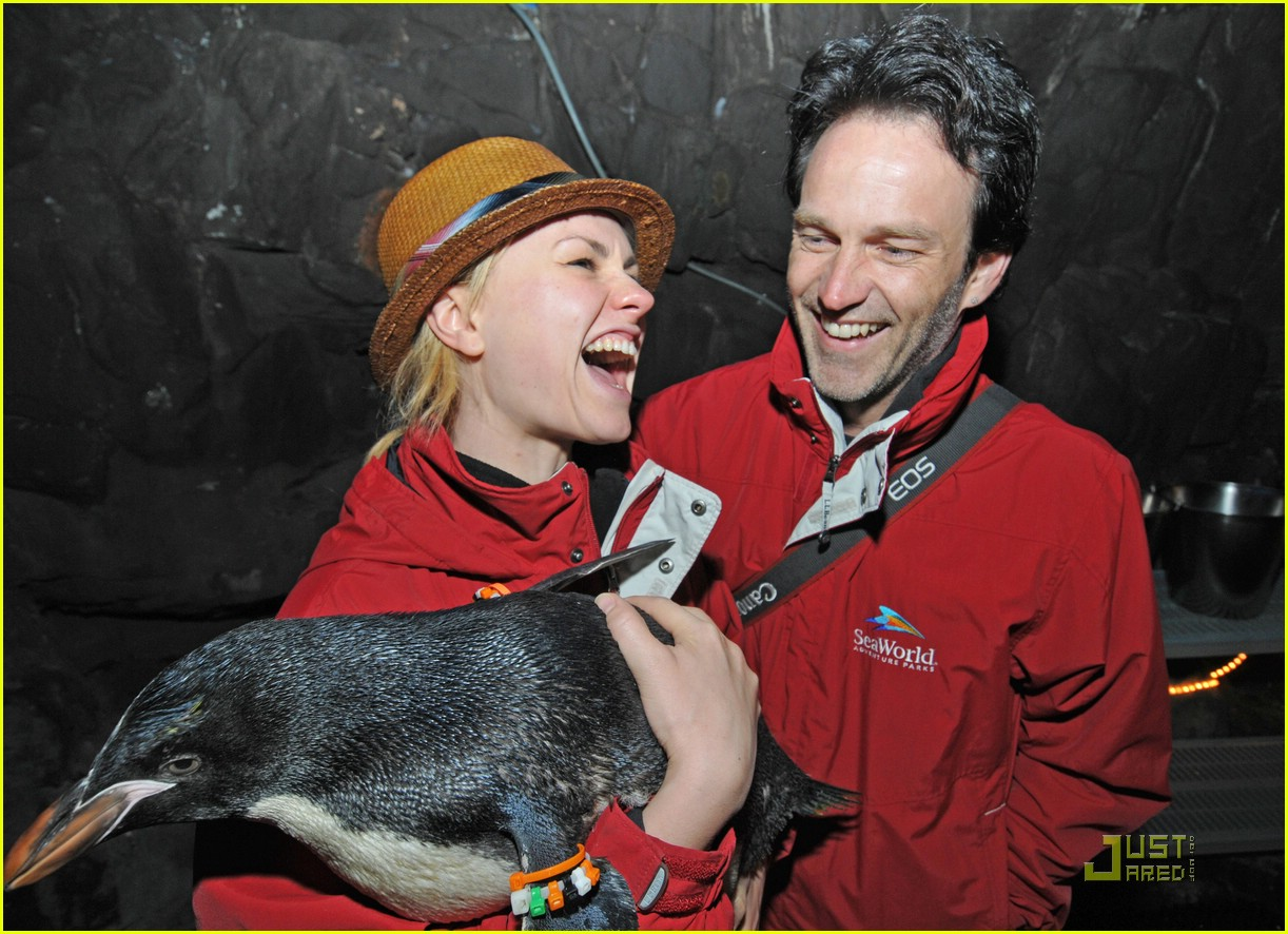 anna paquin stephen moyer seaworld 052081342