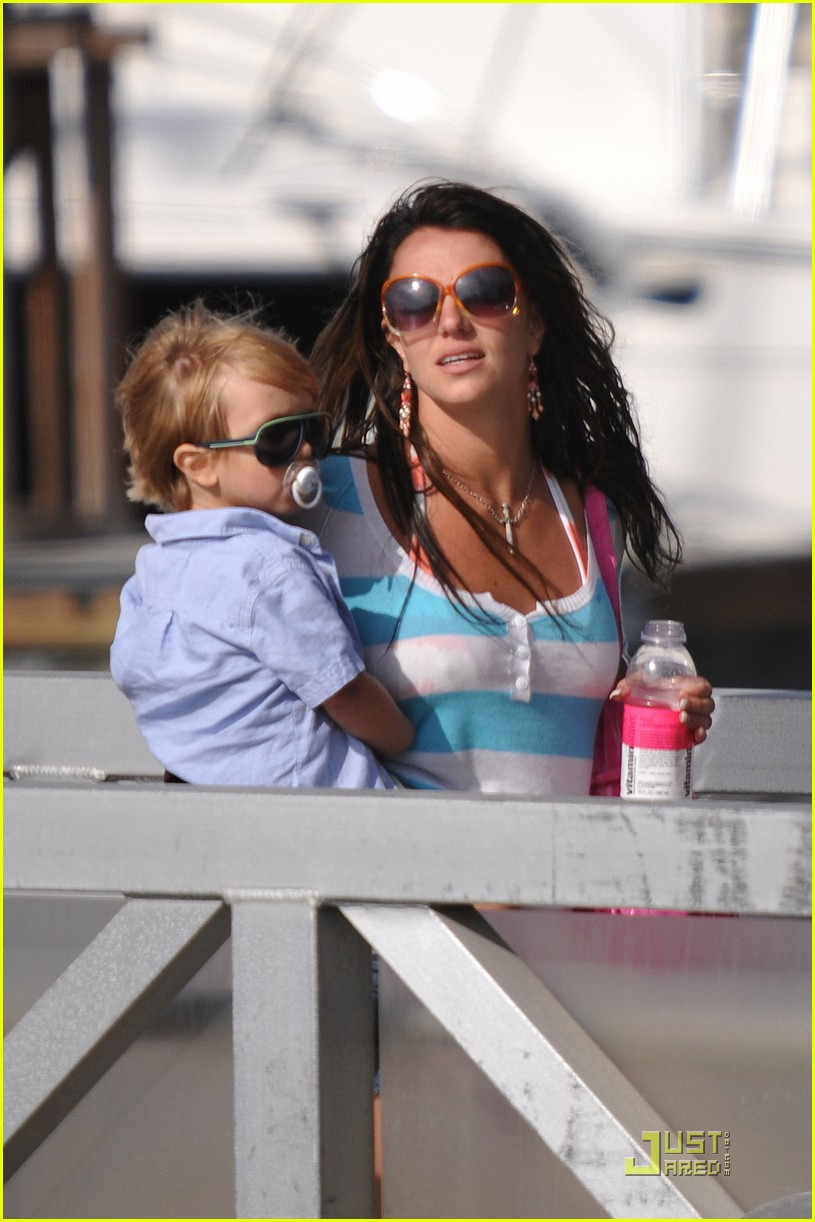 britney spears boys boat 10