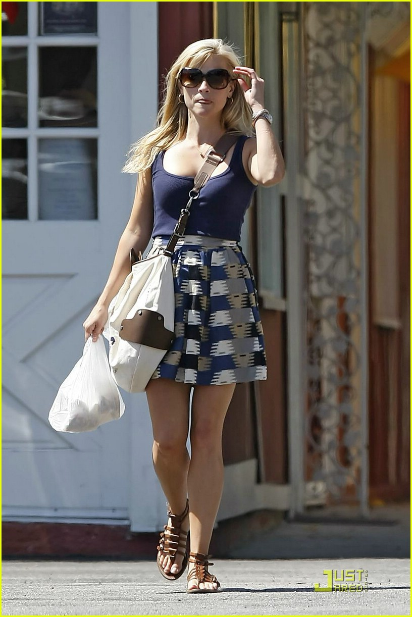 reese witherspoon sunn... Reese Witherspoon