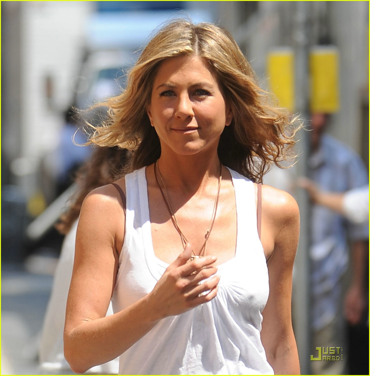 jennifer aniston white out woman 022102902