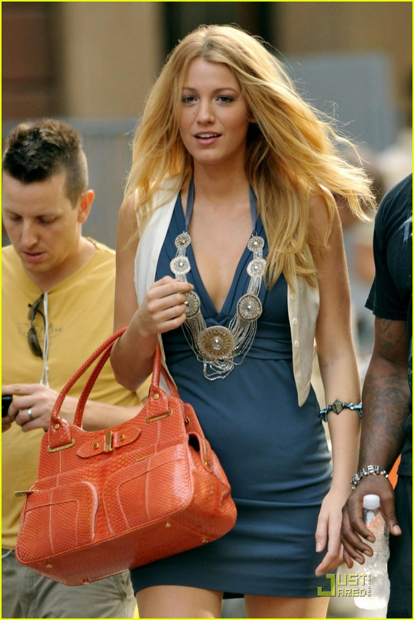 blake lively million dollars salary 04