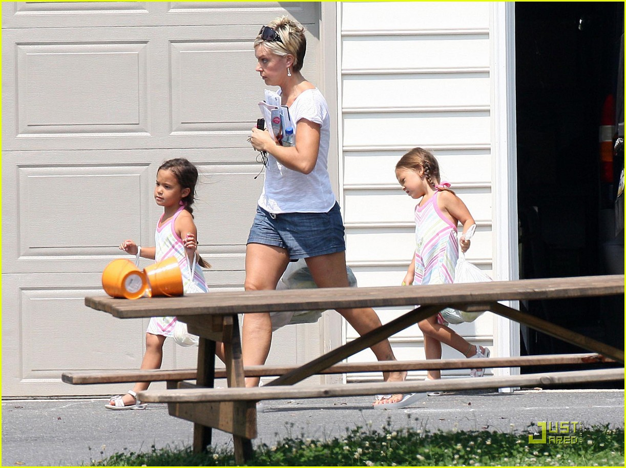 kate gosselin eats corn on the cob 09