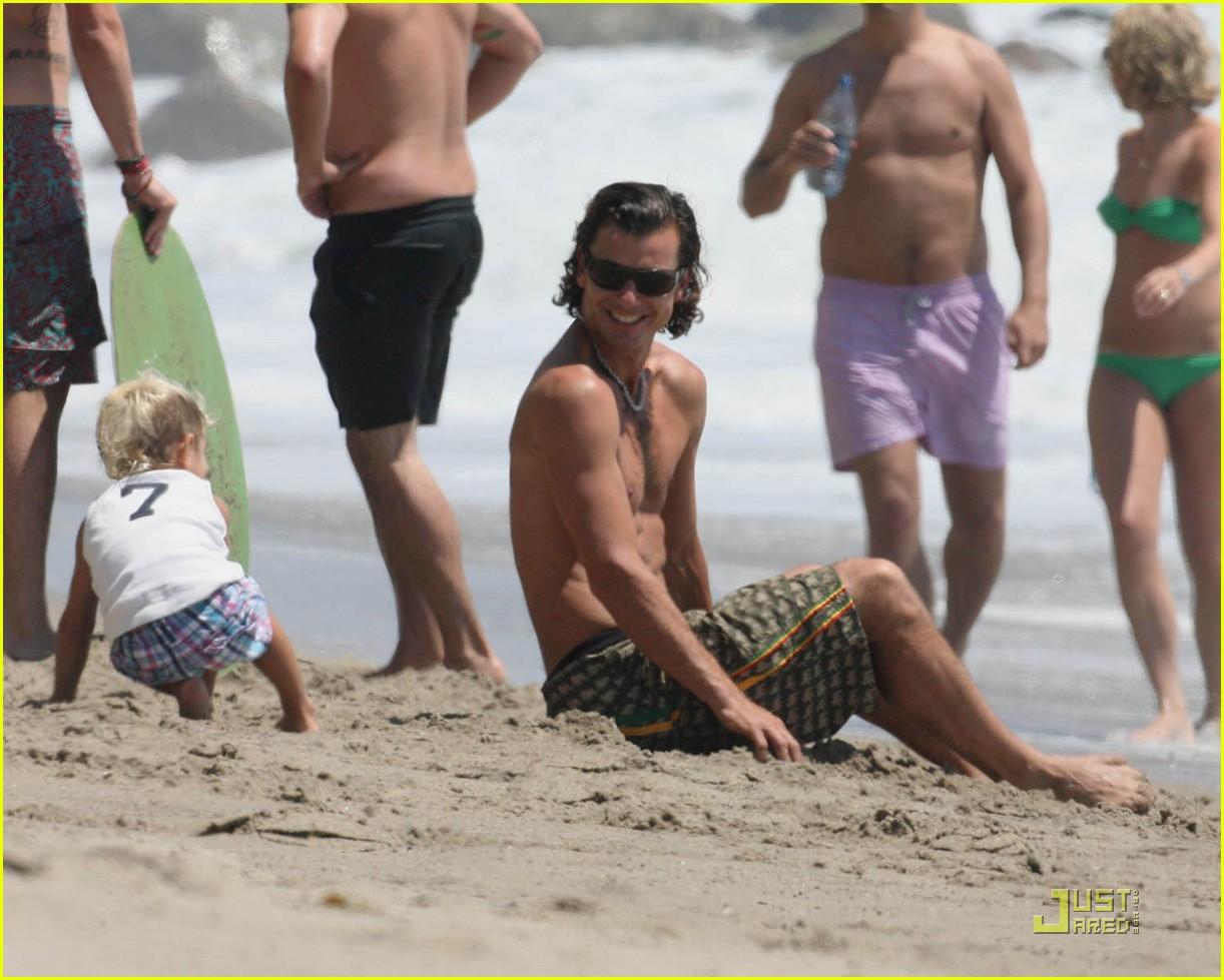 gwen stefani beach babies 07