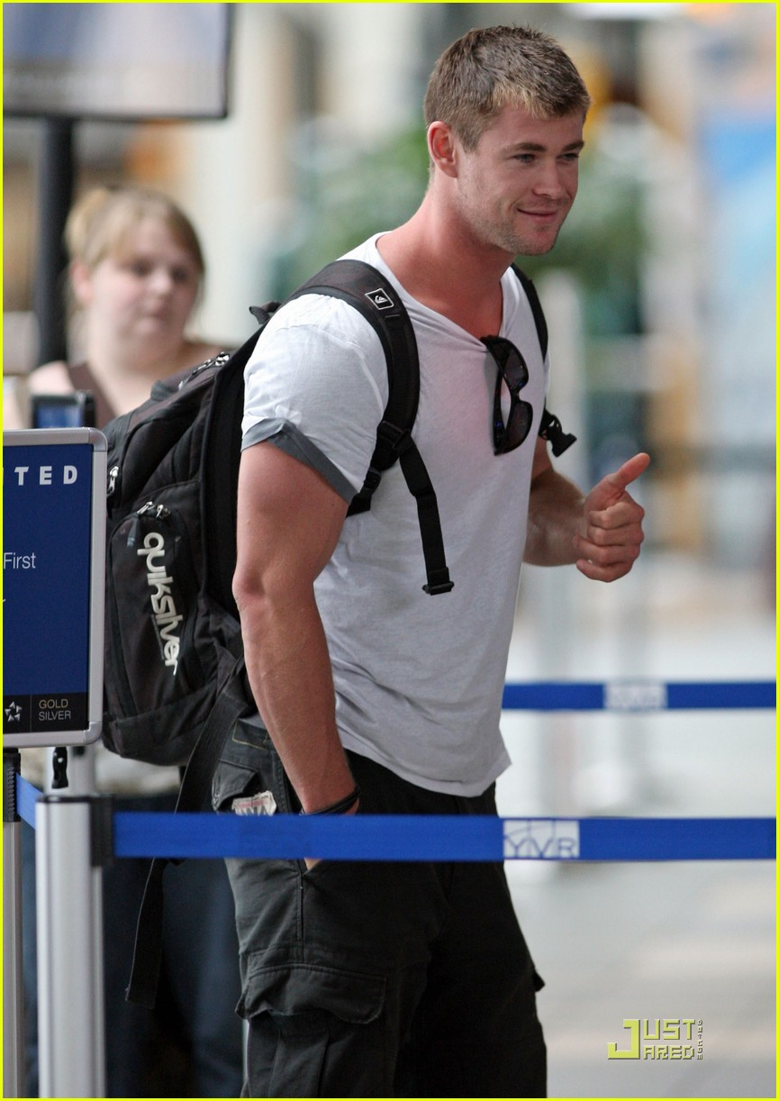 chris hemsworth thunder god thor 07