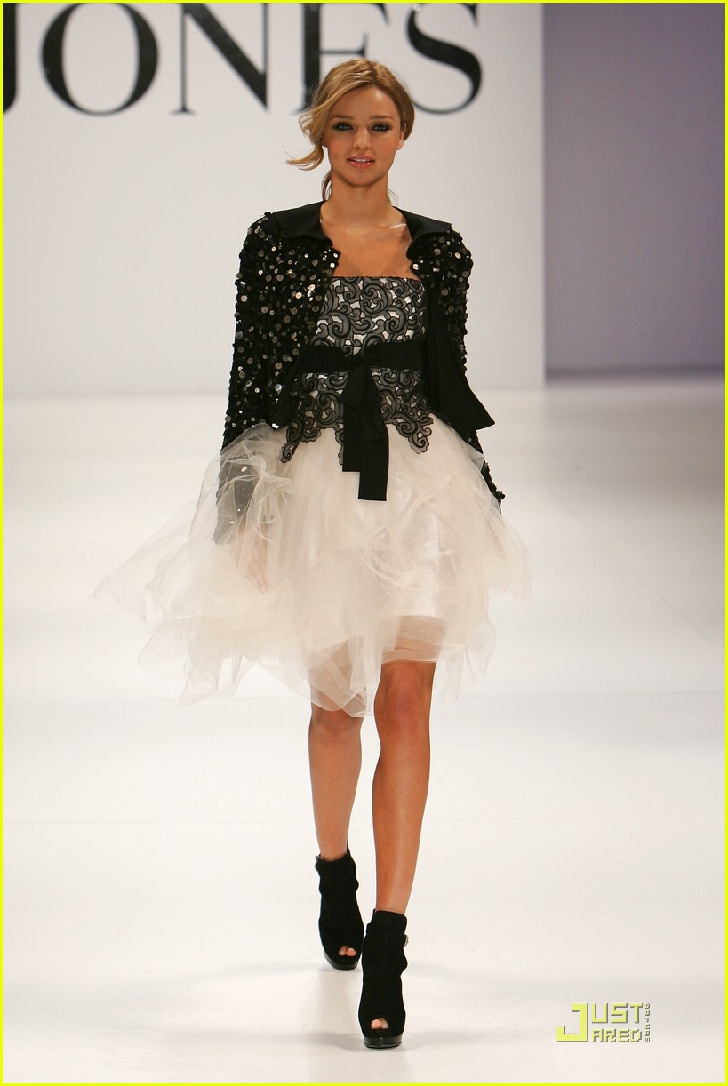 miranda kerr david jones runway 14