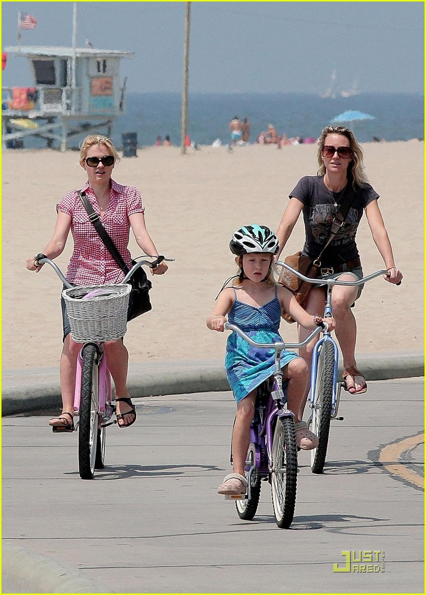 anna paquin biking stephen moyer ex girlfriend 06