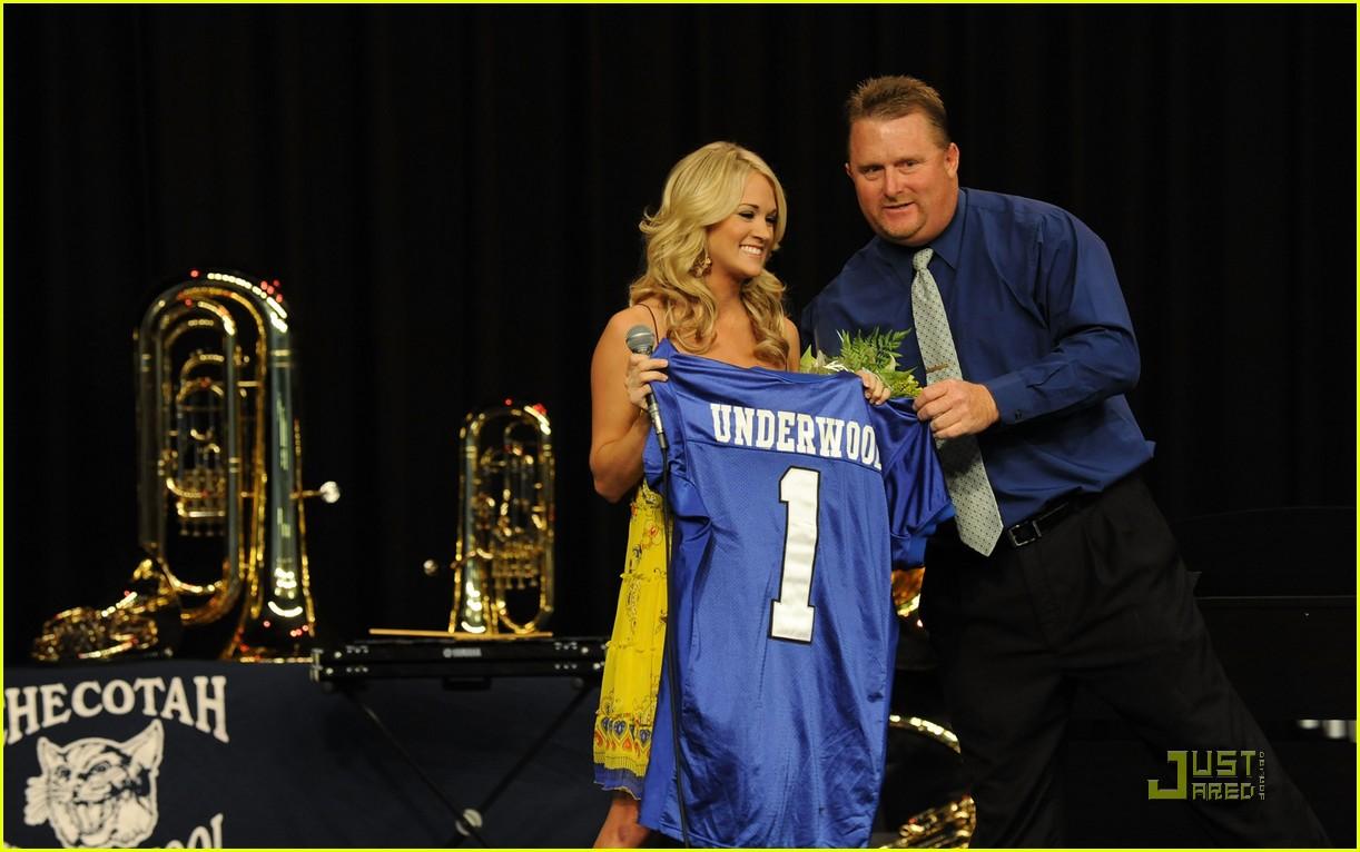 Carrie Underwood High School Boyfriend Carrie underwood donatesCarrie Underwood In High School