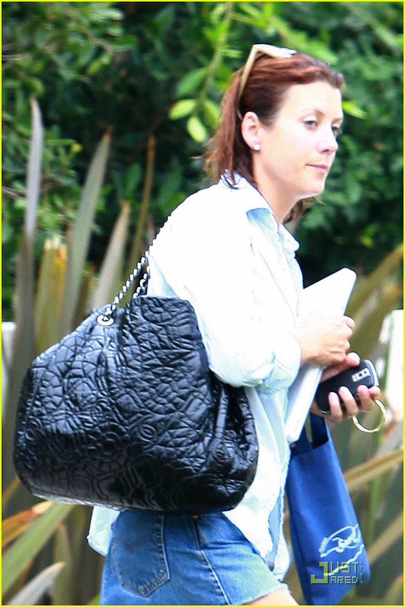 kate walsh wet hair 06