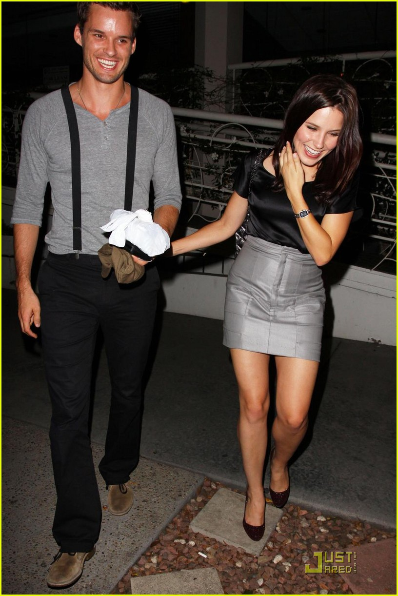Full Sized Photo Of Sophia Bush Austin Madeo Mates 01