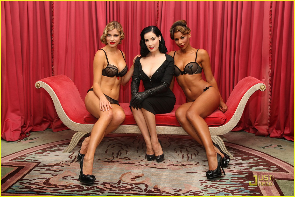dita wonderbra party edition 13