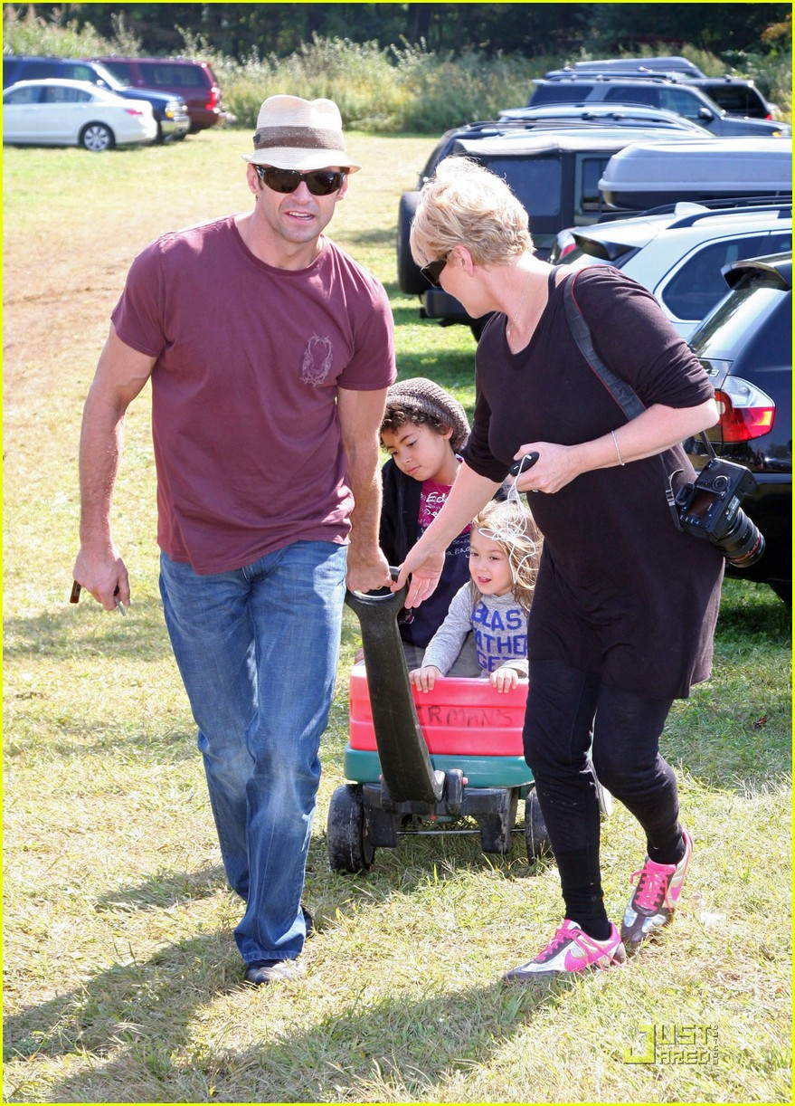 hugh jackman pumpkin patch 082251051