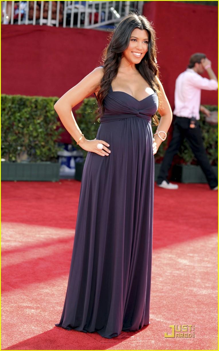 kim kardashian emmy awards 2009 02