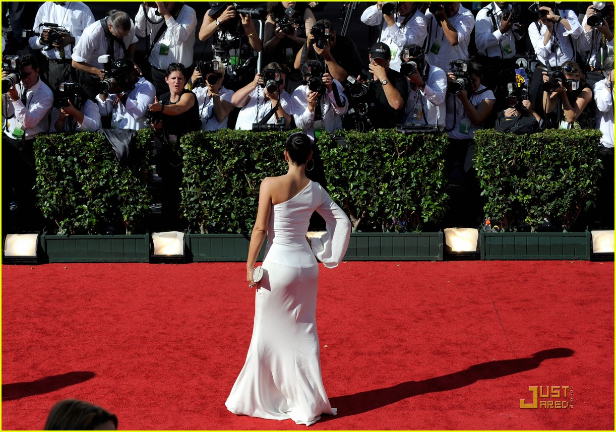 kim kardashian emmy awards 2009 052230932
