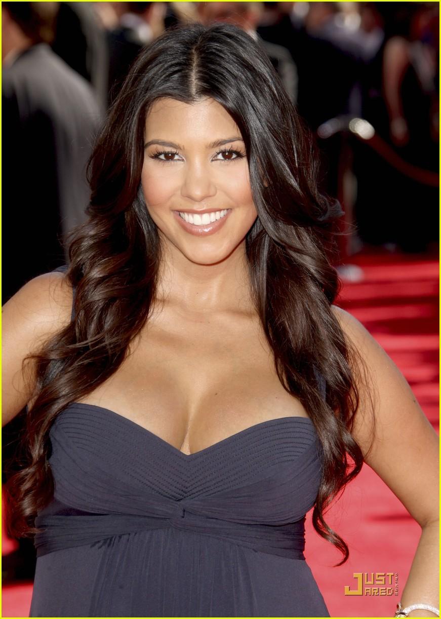 kim kardashian emmy awards 2009 132231012