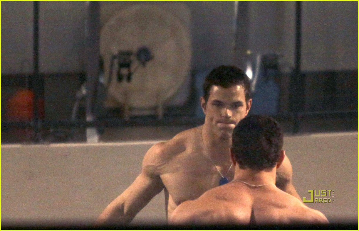 kellan lutz working out 06