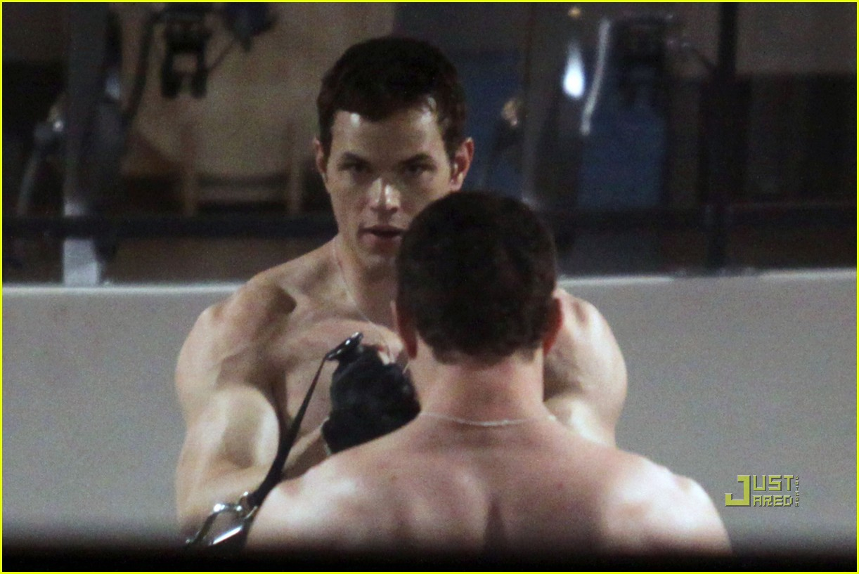 kellan lutz working out 10