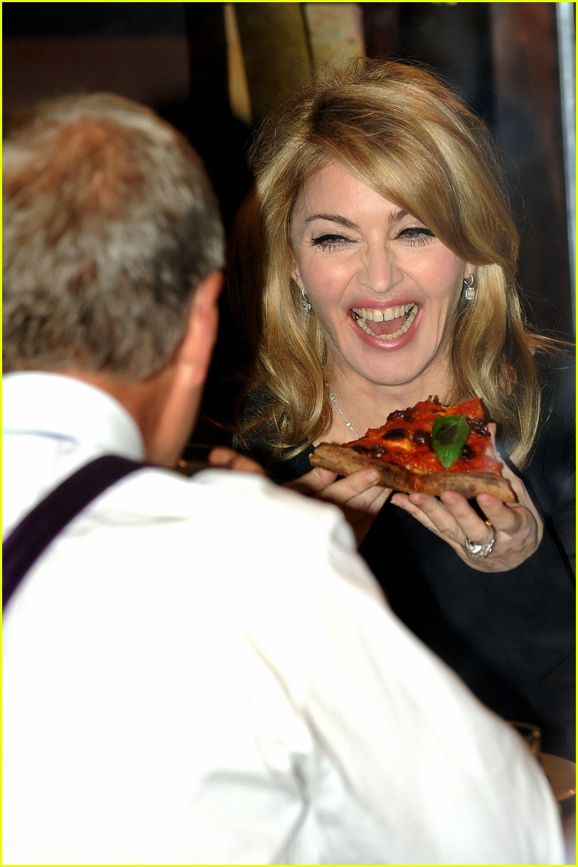 madonna-pizza-david-letterman-11.jpg