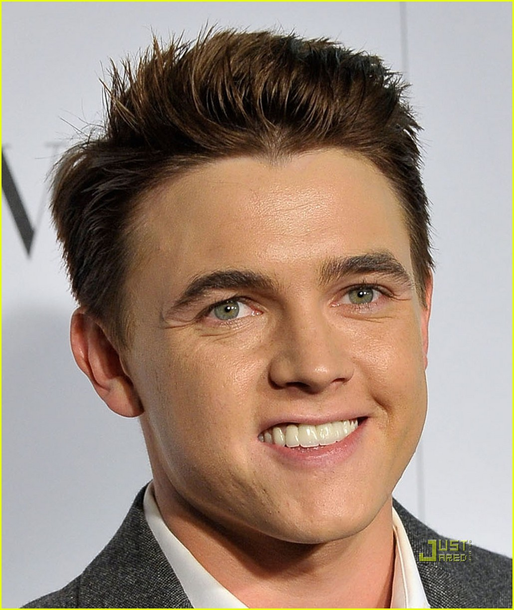 <b>jesse mccartney</b> makeup artist 03 - jesse-mccartney-makeup-artist-03