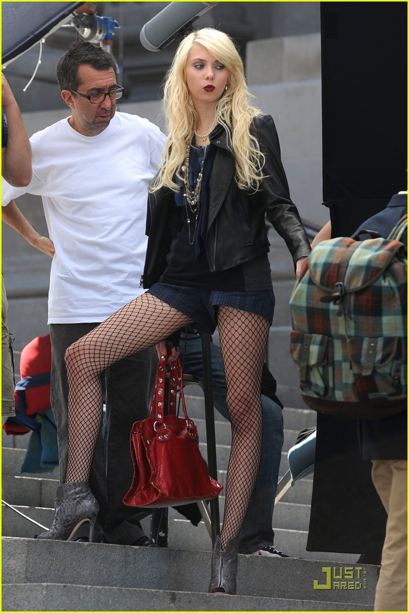 Taylor Momsen Is Fishnet Fierce Photo 2215321 Gossip